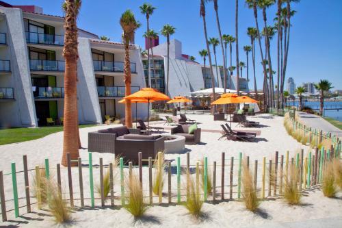 Hotel Maya A Doubletree By Hilton Long Beach