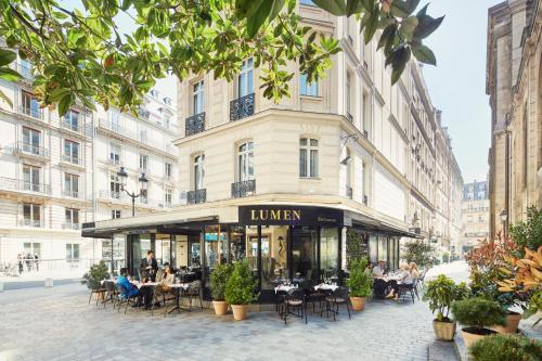 Hotel lumen paris louvre h tel 15 rue des pyramides 75001 paris adresse - 15 rue des halles 75001 paris ...