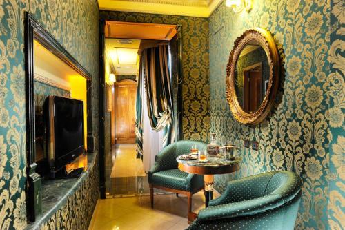 Hotel Manfredi Suite In Rome - image 19