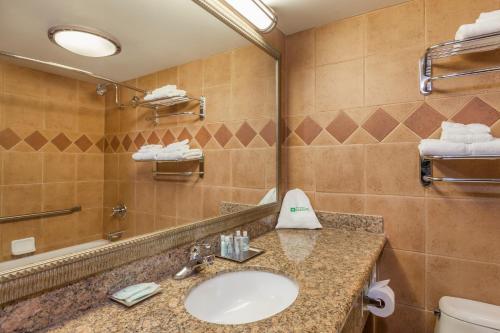 Wyndham Garden Sterling Heights Sterling Heights Michigan Rentals And Resorts