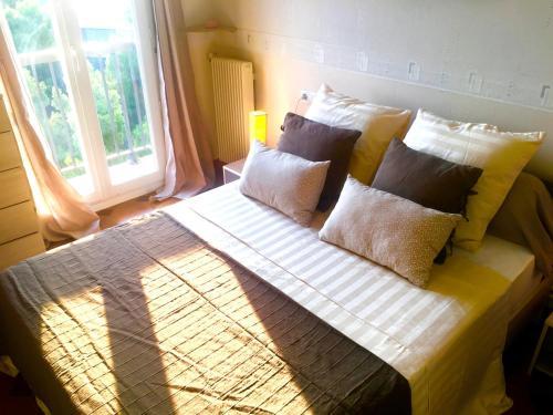 Appartement vue imprenable proche mer et montagne for Trouver hotel proche adresse