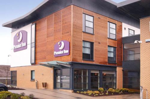 Photo of Premier Inn Glasgow Newton Mearns (M77 J4) Hotel Bed and Breakfast Accommodation in Newton Mearns East Renfrewshire
