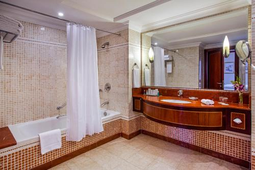 Millennium Corniche Hotel Abu Dhabi photo 37