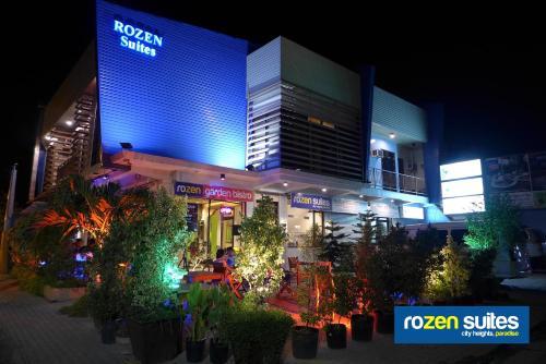 Rozen Suites Paradise