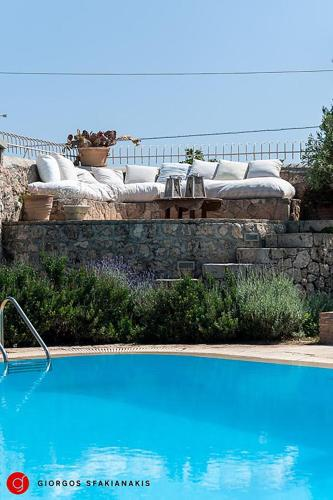 Amazing Aigina Villa