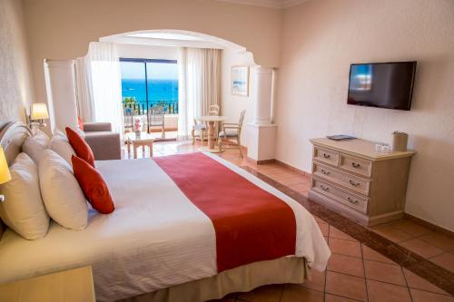 Junior Suite - Ocean View (3 Adults + 1 Child)