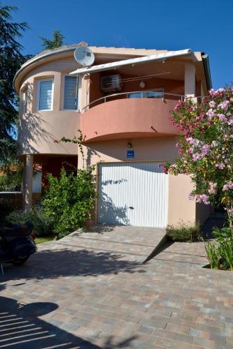 Отель Apartment Leon 3 звезды Хорватия