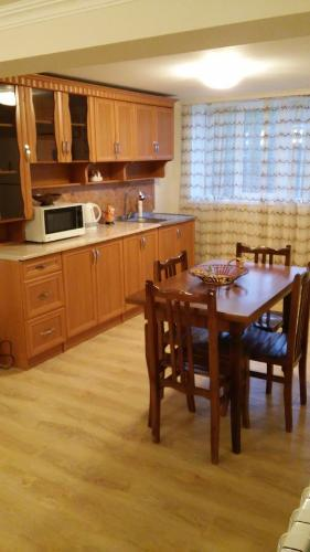 Guest House On Mirian Mepe