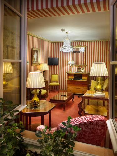 H tel duc de st simon h tel 14 rue st simon 75007 paris for Hotels 75007
