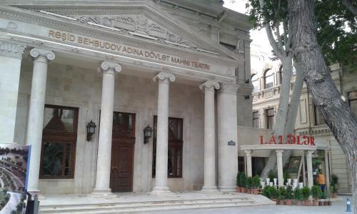 Teatr Rashida Beibytova, Baku