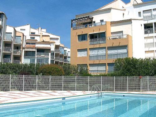 Apartment Le Pharo