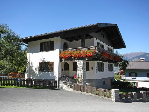 Holiday Home Chalet Alpin