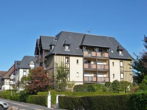 Отель Apartment Le Clos Mathilde III Cabourg 0 звёзд Франция
