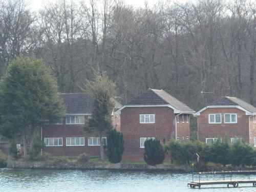 Lakeside Lodges hotel in Frimley Green