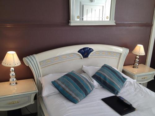 Photo of Edinburgh Thistle Guest House Hotel Bed and Breakfast Accommodation in Edinburgh Edinburgh