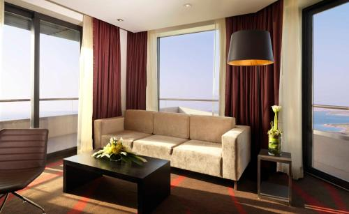 Radisson Blu Hotel, Abu Dhabi Yas Island photo 11