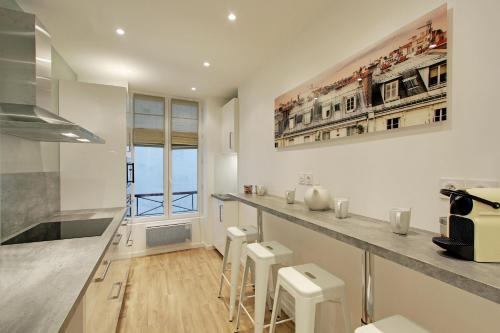 Pick a Flat - Champs Elysees / Percier Apartment