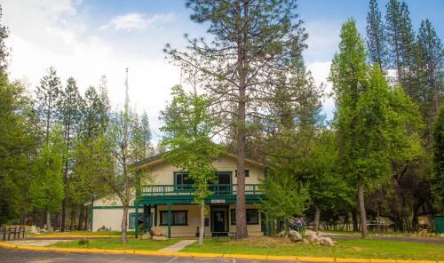 Property Image14 Yosemite Lakes Cabin 38