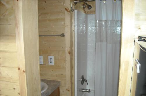 Property Image10 Yosemite Lakes Cottage 52