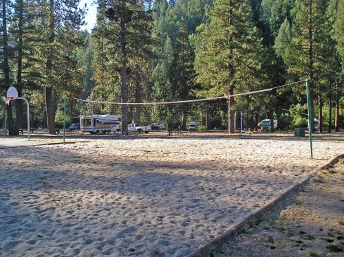 Property Image14 Yosemite Lakes Cottage 52