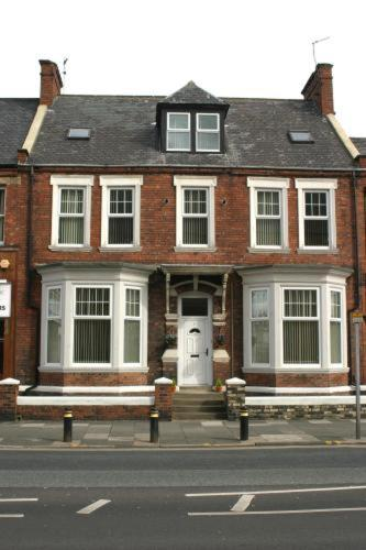 Photo of Athol House Hotel Bed and Breakfast Accommodation in South Shields Tyne & Wear