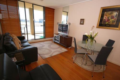 Homebush Bay Self Contained Modern Two Bedroom Apartment 70 Ben