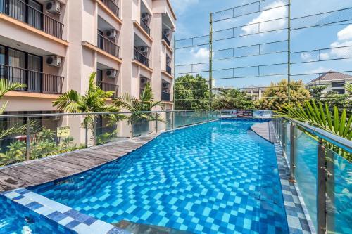 Отель ZEN Rooms Raya Kuta 3 4 звезды Индонезия