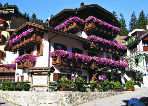 Отель Hotel Garnì La Montanara 3 звезды Италия