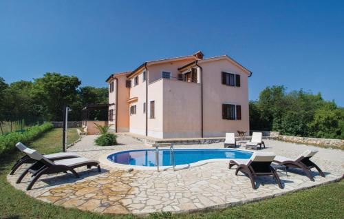 Holiday home Kras 20