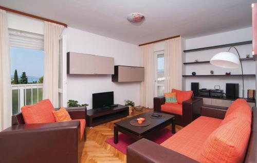 Apartment Split with Sea View 02