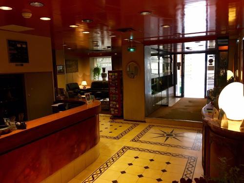 hotel caravelle h tel 68 rue des martyrs 75009 paris