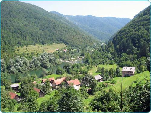 Holiday Home Kuä‡A Silvano Zavrh 1