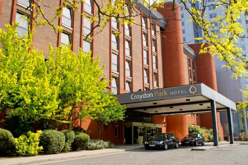 Stay at Croydon Park Hotel London