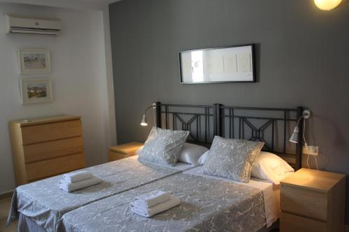 Apartament 1 Habitació - Gravina, 13-15 (One-Bedroom Apartment - Gravina 13-15)