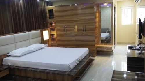 Hotel Crystal International