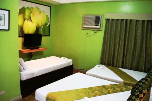 Отель Jade Hotel and Restaurant 3 звезды Филиппины
