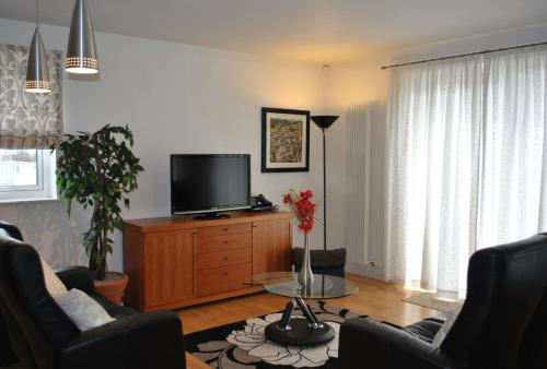 Photo of Dreamhouse Apartments Edinburgh Holyrood Park Self Catering Accommodation in Edinburgh Edinburgh