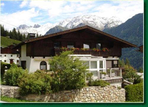 Appartementhaus Schöpf - Apartment mit 1 Schlafzimmer und einem Balkon (2-4 Erwachsene)