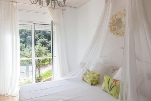 Habitación Doble Deluxe con terraza Es Cel de Begur Hotel 1