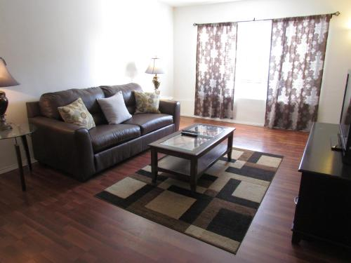 Crescent Drive Apartment BH