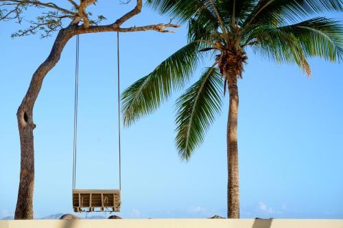 doubletree by hilton fiji sonaisali island nadi viti. Black Bedroom Furniture Sets. Home Design Ideas
