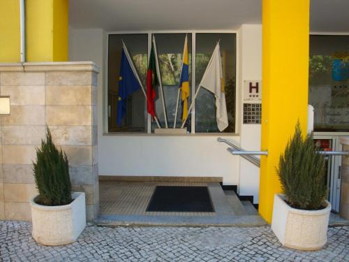 Hotel D. Ines de Castro front view