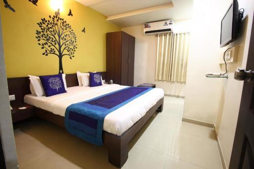 Отель Lalji Hotel and Restaurant 2 звезды Индия