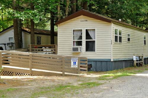 Moody Beach Camping Resort Wheelchair Accessible Park Model 15