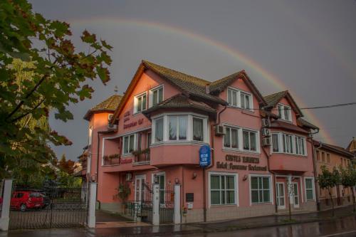 Отель Pensiunea Curtea Bavareza 4 звезды Румыния