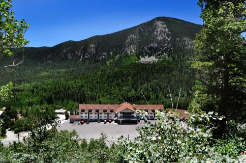 Monarch Mountain Lodge