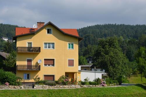 Villa Wurzer - Apartment mit 1 Schlafzimmer und Terrasse