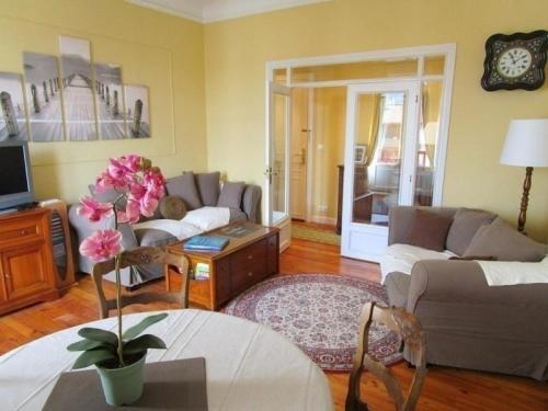 Rental Apartment Eskualduna B208