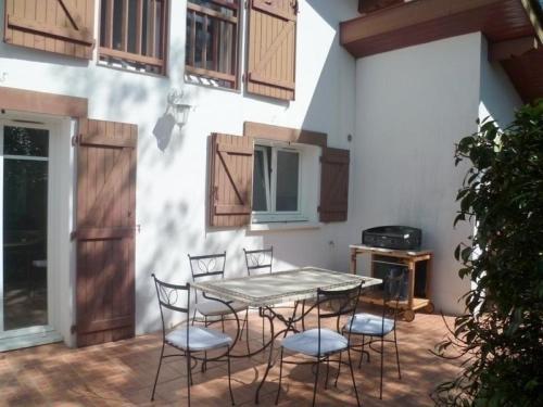 Rental Villa Landa Luzean