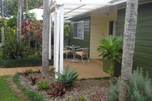 Premier Two-Bedroom Cottage with Car Rental